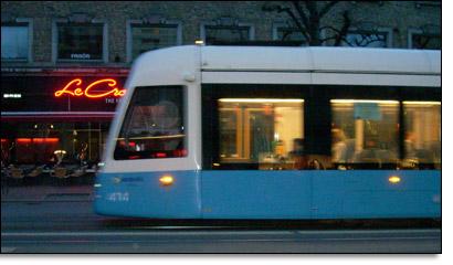 Spårvagn i kvällen, foto Alva Kronkvist