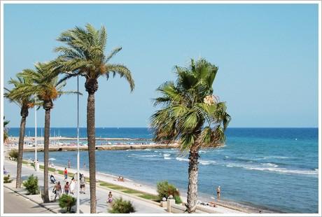 Strandpromenaden - utsikt från vår balkong